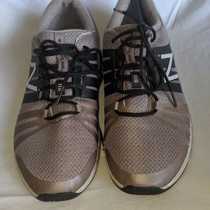New Balance 811 Training Shoes sz 9
